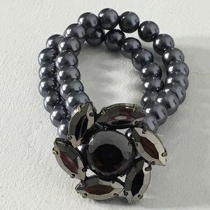 Jewelry - ⏰ Flower Gunmetal Stretchable Bracelet